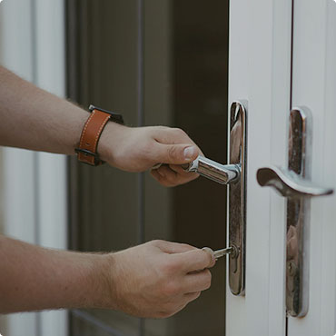 window-lock-front